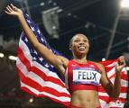 奥运女子200米决赛 美国选手菲利克斯反超夺冠