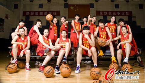 奥运女篮美国独秀 中国新老搭配力争战胜自我