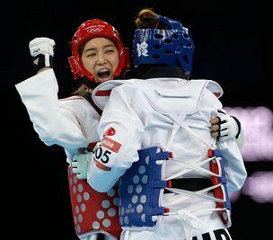 跆拳道女子67kg 韩国选手夺冠