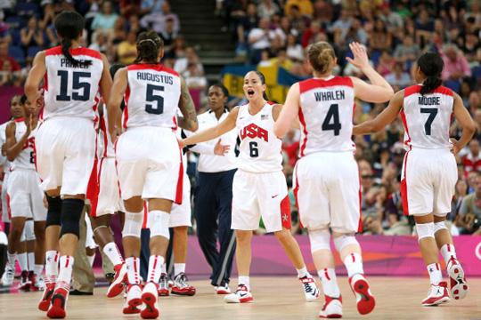 美国女篮36分大胜法国豪取41连胜 奥运五连冠