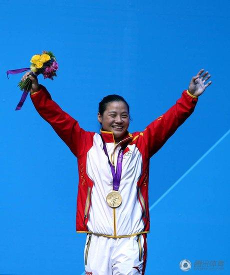 女举58KG李雪英破纪录摘金 中国队奥运三连冠