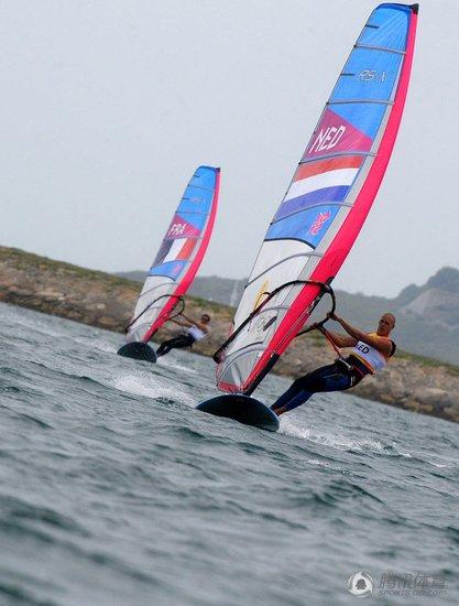 RS:X级男子帆板雷吉瑟贝格夺冠 英国选手摘银
