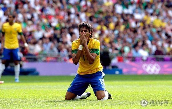 男足盘点:巴西痛失奥运首金 西班牙爆冷出局