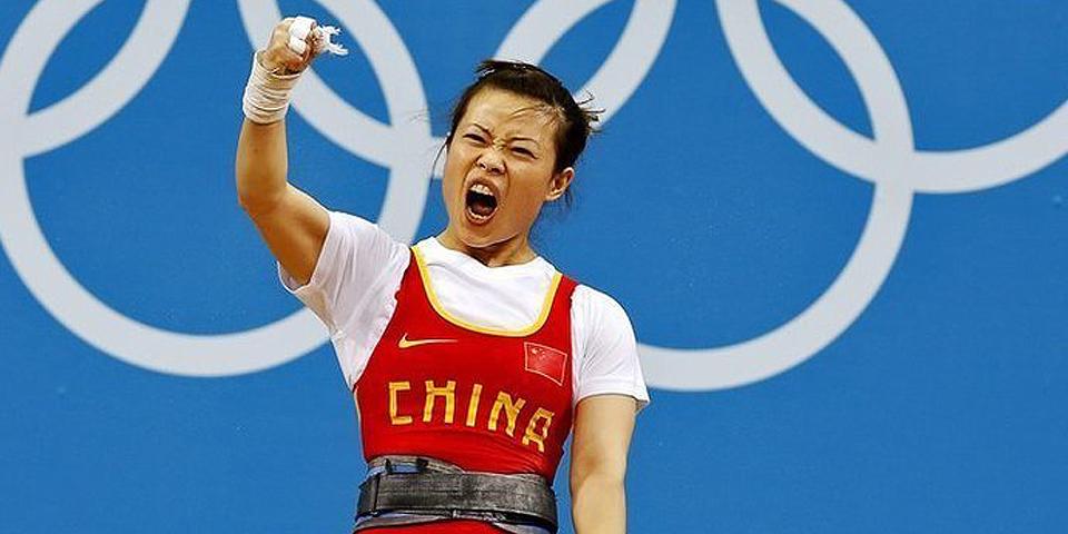王明娟女子举重48公斤级夺冠
