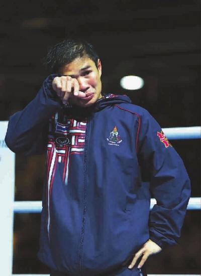 泰国拳击常胜将军出手毒辣 摘银落泪心有不甘