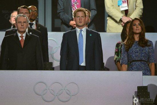 哈里王子罗格主席到场 全体观众合唱英国国歌