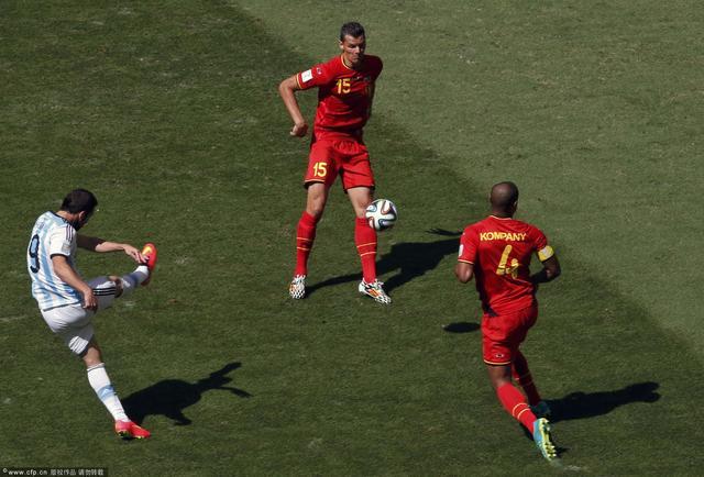 伊瓜因:用胜利跨越多年距离 进球最感谢团队