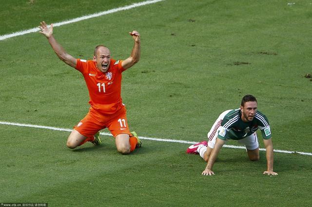 墨西哥主帅:荷兰没多强 罗本3次倒地都假摔