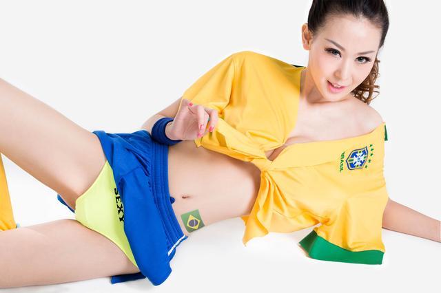 世界杯7月13日美女看彩:巴西战意浓可获大胜