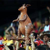 高清:智利1-3澳大利亚 球迷携袋鼠现场观战