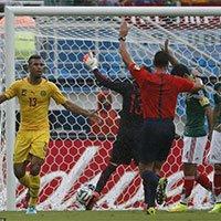 高清:喀麦隆舒波-莫廷越位进球
