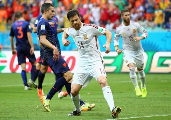无奈!阿隆索复仇窝心脚却输球 恐世界杯绝唱