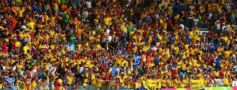 哥伦比亚3-1希腊 赛场化为黄色海洋