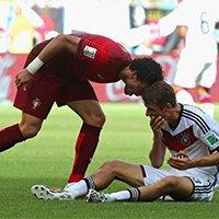葡萄牙佩佩挑衅穆勒被红牌罚下