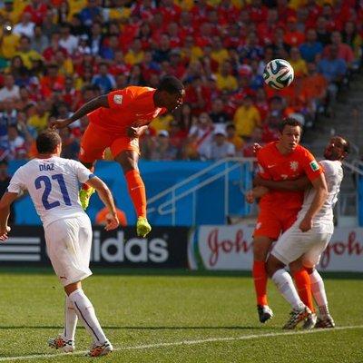 荷兰2-0智利 橙衣军团小组头名强势出线