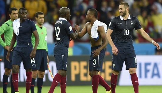 法国强势破尴尬魔咒 近4届世界杯首获开门红