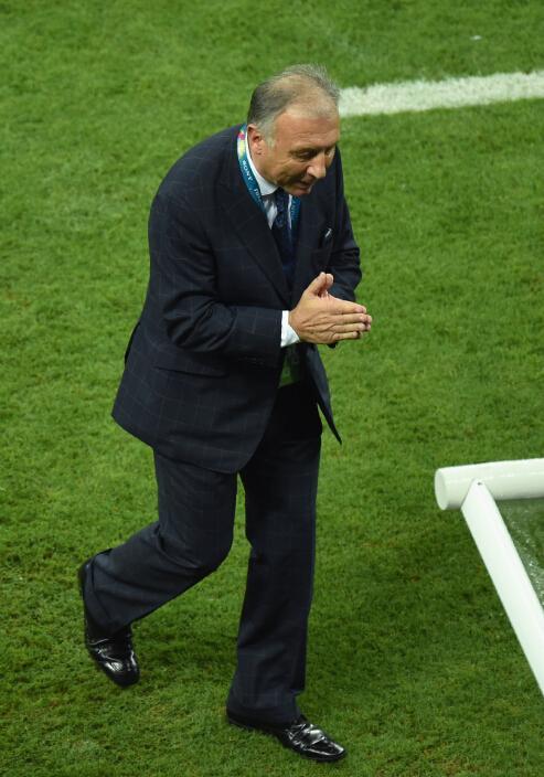 扎切罗尼:小组赛指挥有误 为日本队出局负责