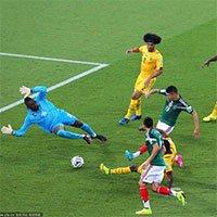 高清:佩拉尔塔补射破门墨西哥终进球