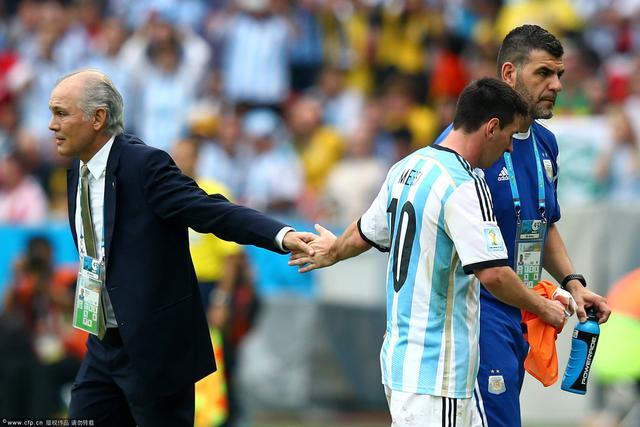 阿根廷主帅:对表现满意 不关心淘汰赛碰哪队