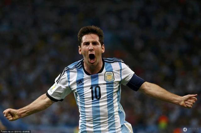 世界杯-阿根廷2-1胜波黑 梅西破门并造乌龙