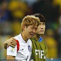 韩国队落败无缘十六强 孙兴民泪奔赛场