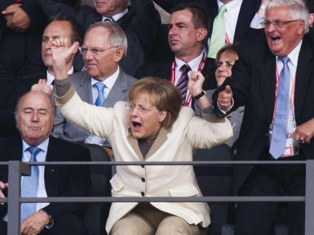 默克尔与温家宝早餐聊球 叹中国球迷超德人口