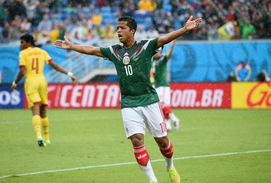 连续误判!墨西哥两进球被吹 多斯桑托斯真冤