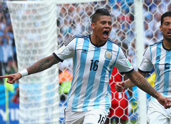 阿根廷铁卫膝盖救主 世界杯首球助雄鹰全胜