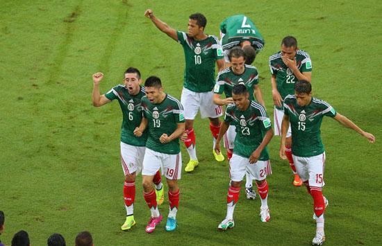 弑巴西!噬雄狮! 墨西哥冠军一代世界杯扬名