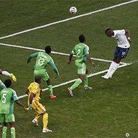 尼日利亚门将出击失误 博格巴头球破门