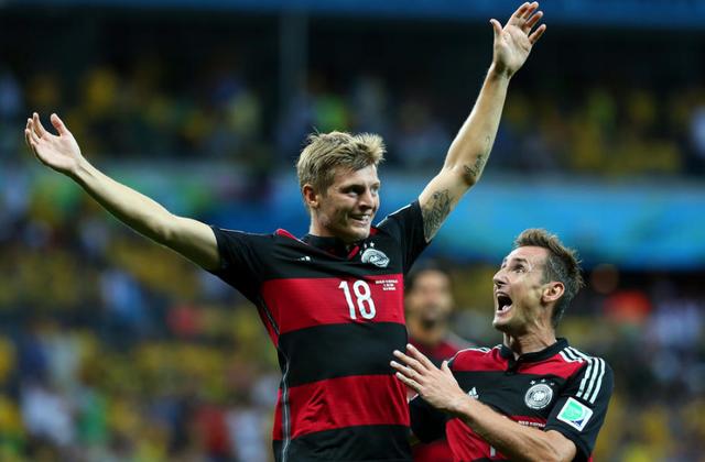 利好!半决赛大捷者3度捧杯 德国6成概率夺冠