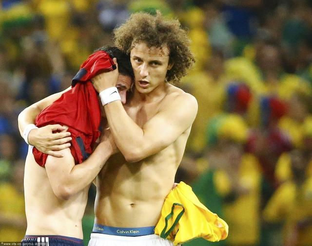 J罗不哭!送巴西惊魂15分钟 已是最耀眼明星