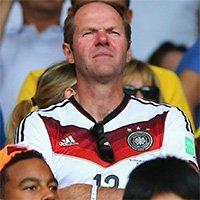 穆勒父亲现身球场助威德国