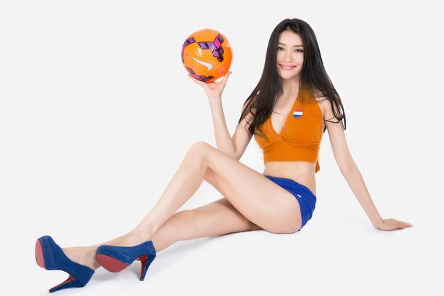 世界杯6月14日美女看彩:西班牙荷兰小分收场