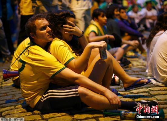 贺炜:巴西气氛令人窒息 足球王国遭灭顶之灾