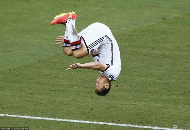世界杯-德国2-2加纳 格策破门克洛泽进第15球