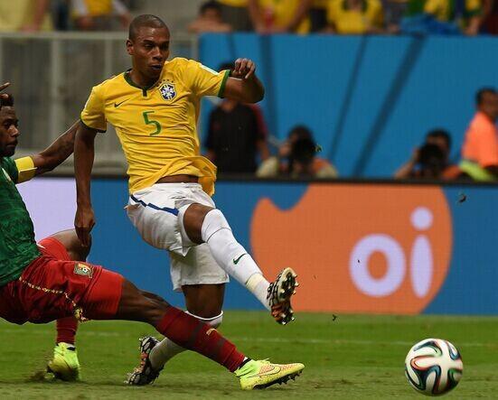 巴西秘密武器终于亮相 曼城兽腰补最薄弱一环