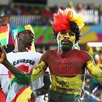 加纳球迷场外另类装扮抢眼