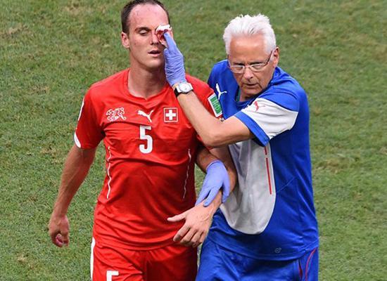 瑞士铁卫因伤退出世界杯 左眼被吉鲁踹成骨裂