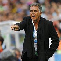 伊朗主教练古特比场外指导球队