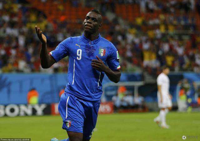 世界杯-意大利2-1胜英格兰 巴洛特利头球绝杀