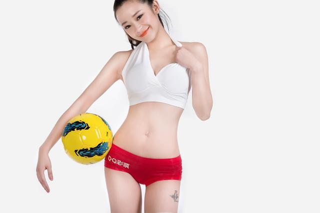 世界杯6月16日美女看彩:美女看好瑞士获小胜