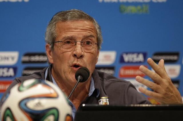 乌拉圭主帅力挺苏神 控诉后辞去FIFA担任职务