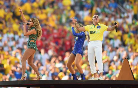 """洛佩兹""""巴西味""""紧身连体裤登上世界杯舞台"""