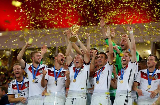 世界杯-德国1-0阿根廷四度夺冠 格策加时绝杀