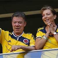 哥伦比亚总统夫妇现场为主队加油助威