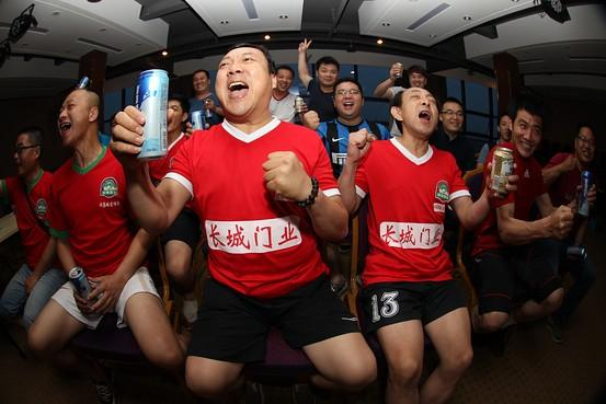 【舌战】倍魄:蓝领足球,中国可以说不!