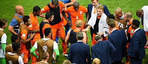吐槽帝:叫罗的都带名帅属性 加索尔拯救荷兰