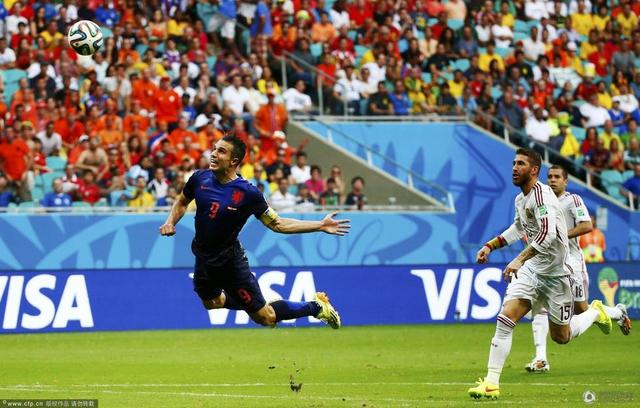 世界杯-荷兰5-1羞辱西班牙 范佩西罗本各2球