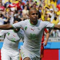 阿尔及利亚费古利破门后奔跑庆祝